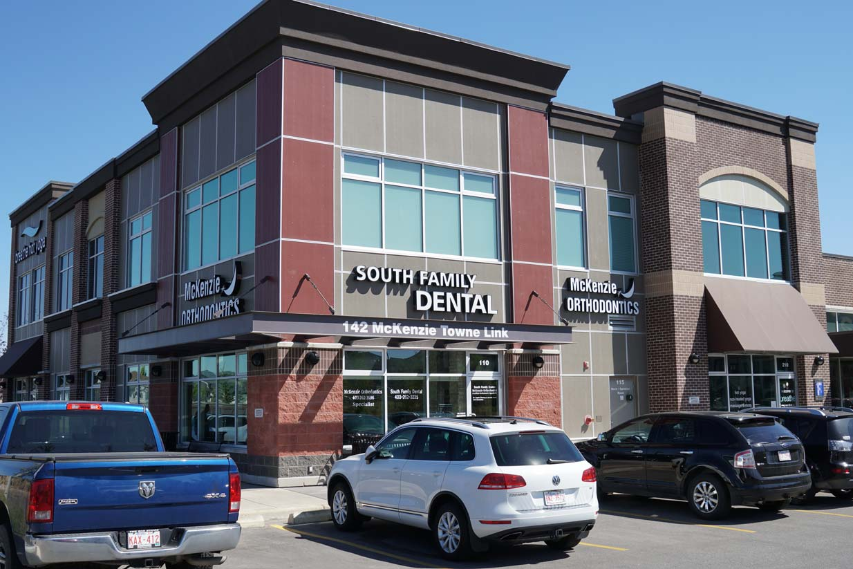 South Calgary Orthodontist | McKenzie Orthodontics Modern Facility in Lake McKenzie